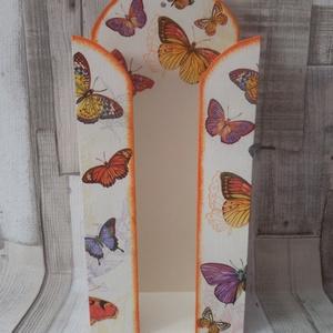 Lepke,pillangó mintás papírzsebkendő tartó , Zsebkendőtartó, Tárolás & Rendszerezés, Otthon & Lakás, Decoupage, transzfer és szalvétatechnika, Lepke,pillangó mintás papírzsebkendő tartó.100 darabos papírzsebkendő fér bele.Méretei:13x29x6cm.Az ..., Meska