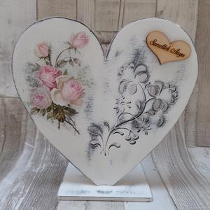 Szív  alakú talpas mécsestartó vintage rózsa mintával, Gyertya & Gyertyatartó, Dekoráció, Esküvő, Decoupage, transzfer és szalvétatechnika,  Szív  alakú talpas mécsestartó vintage rózsa mintával dekupázs/decoupage technikával  díszítve,kopt..., Meska