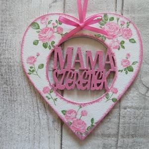 Szív alakú dísz Mama szeretlek felirattal, Dekoráció, Otthon & lakás, Dísz, Decoupage, transzfer és szalvétatechnika,  Szív  alakú dísz Mama szeretlek felirattal többféle mintával dekupázs/decoupage technikával díszítv..., Meska