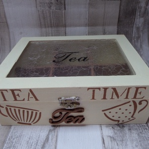 Teafiltertartó doboz 6 rekeszes Tea Time és teás csésze stencilmintával,átlátszó tetős, Otthon & lakás, Lakberendezés, Tárolóeszköz, Doboz, Decoupage, transzfer és szalvétatechnika, Festett tárgyak, 6 rekeszes,fakkos teafiltertartó,teás doboz elefántcsontszínben világos barna stencilmintával díszít..., Meska
