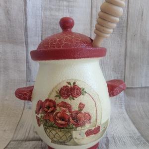 Vintage konyha,pipacs mintás mézes csupor,méztartó, Méz & Vajtartó, Konyhafelszerelés, Otthon & Lakás, Decoupage, transzfer és szalvétatechnika, Vintage konyha,pipacs mintás terrakotta mézes csupor,méztartó.Mérete:11x15 cm.Elefántcsontszínre fes..., Meska