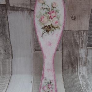 Vintage rózsa,lepke vagy cseresznyevirág mintás fa hajkefe, Sampon & Hajápolás, Szépségápolás, Decoupage, transzfer és szalvétatechnika, Vintage rózsa,lepke vagy cseresznyevirág mintás fa hajkefe.Mérete:22cm.Lakkozva van,nedves ruhával l..., Meska