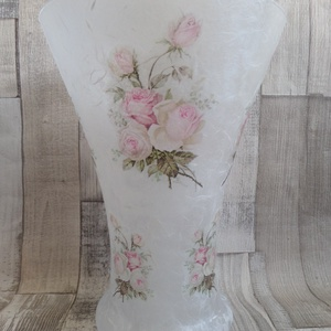 Vintage rózsa mintás váza, Otthon & lakás, Lakberendezés, Kaspó, virágtartó, váza, korsó, cserép, Dekoráció, Decoupage, transzfer és szalvétatechnika, Vintage rózsa mintás üveg váza rizspapírral és szalvétával díszítve,lakkozva.Mérete:25cm magas és 18..., Meska
