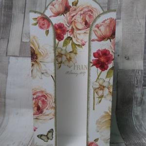 Rózsa mintás papírzsebkendő tartó , Otthon & Lakás, Tárolás & Rendszerezés, Zsebkendőtartó, Decoupage, transzfer és szalvétatechnika, Rózsa mintás papírzsebkendő tartó.100 darabos papírzsebkendő fér bele.Méretei:13x29x6cm.Az alapszíne..., Meska