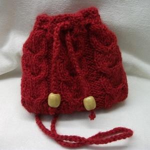 Piros, kötött kis táska, mini táska, tarisznya, szütyő, készség, Táska & Tok, Dohánytasak & Szütyő, Pénztárca & Más tok,    A jókedv nevében!  Gyönyörű, piros, jó tartású, gyapjú fonalból kötöttem ezt a kis készséget.  El..., Meska