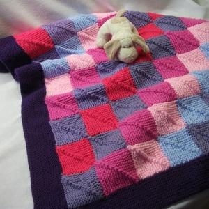 Kötött kislány takaró, patchwork takaró kislánynak (AnniMari) - Meska.hu