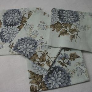 Textil zsebkendő vagy szalvéta  26 x 29 cm , Otthon & Lakás, Szalvéta, Konyhafelszerelés, Finom tapintású, vékonyabb szövésű pamutvászonból varrt zsebkendő.   Gyönyörű rajzolatú, finom színe..., Meska