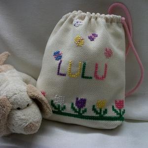 Ajándék csomagoló kis hímzett zsák, tasak, Ajándékzsák & Csomagolás, Papír írószer, Otthon & Lakás, Hímzés, Ha valakit nagyon szeretsz!!!!\nAkkor ilyen gyönyörű, pillangós, virágos, nagyon minőségi kis zsákba ..., Meska