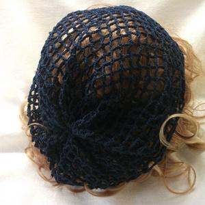 sötét kék horgolt háló sapka pamut fonalból, Ruha & Divat, Sál, Sapka, Kendő, Sapka, Gyönyörű, minőségi, vékony, pamut fonalból készítettem, szuper divatos, háló mintás  sapkát. Átlagos..., Meska