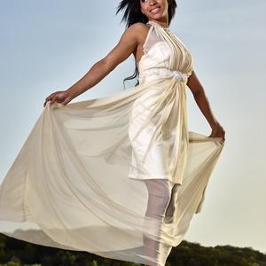 Alkalmi ruha , Táska, Divat & Szépség, Varrás, 38 -as méretű mini ruha de puha tüllel van kombinálva .Alap anyaga szatén .Nyakán  Swarovski  sorral..., Meska