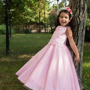 Koszorúslány ruha, Esküvő, Koszorúslány ruha, Ruha, 4-6 éves kislány ruha. Düsez alapanyagú  több réteg tüll és virág dísszel díszített., Meska