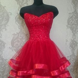 Menyecske ruha , Esküvő, Menyecske ruha, Ruha, Fűzös, merevitös, felsörésze csillogó glitters. Egyedi tervezésű. Alsó része 3 rétegű tüll piros sza..., Meska