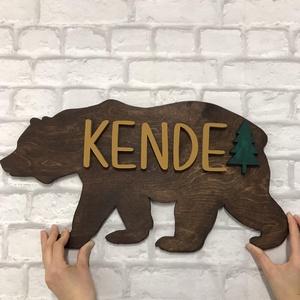 Egyedi Maci formájú 3D fa Gyerekszoba dekoráció/Névtábla, Gyerek & játék, Gyerekszoba, Gyerekbútor, Otthon & lakás, Dekoráció, Lakberendezés, Famegmunkálás, Festett tárgyak, 100% HANDMADE!!!\nKedves maci formájú, 530mm X 280mm-es nyír rétegelt lemezből dekopírfűrésszel vágot..., Meska