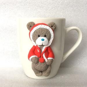 Mackó karácsonya bögre, Otthon & lakás, Konyhafelszerelés, Bögre, csésze, Gyurma, Ez a mackó gazdára vár. Okozz neki örömöt, fogadd örökbe! :)\n\nA bögre díszítését kézzel formáztam sü..., Meska