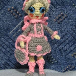 Horgolt tündér , Gyerek & játék, Játék, Játékfigura, 19 cm magas horgolt kis tündér, szürke és rózsaszín alapszínekkel készült ruhában ,sapkában és kistá..., Meska