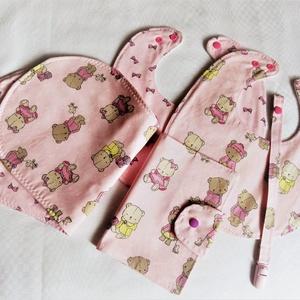 Babaköszöntő ajándékcsomag egészségügyi kis könyvvel - Rózsaszín kis mackók - AKCIÓ!, Játék & Gyerek, Babalátogató ajándékcsomag, Varrás, Összeállítottam egy csomagot mely olyan kiegészítőket tartalmaz amely minden kisbaba számára hasznos..., Meska