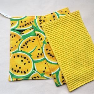 Törlőkendő garnitúra ajándék mosogatószivaccsal - Sárga görögdinnyék - Újrafelhasználható, környezetbarát, Otthon & Lakás, Konyhafelszerelés, Konyharuha & Törlőkendő, Varrás, Ez a garnitúra 1 db nagyobb, 2 db kisebb törlőkendőt és 1 db ajándék mosogatószivacsot  tartalmaz. A..., Meska