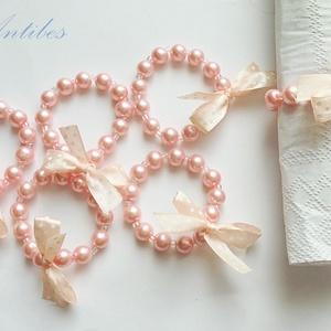 Romantikus pöttyök - szalvétagyűrűk, Otthon & lakás, Dekoráció, Konyhafelszerelés, Esküvő, Esküvői dekoráció, Ékszerkészítés, Gyöngyfűzés, gyöngyhímzés, 8 mm-es rózsaszín tekla és pici üveggyöngyökből, pöttyös szatén masni díszítéssel, rugalmas damilon ..., Meska