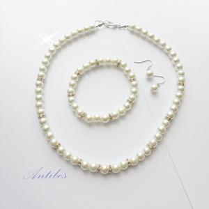 Romantika - ékszerszett, Esküvő, Ékszer, Ékszerszett, 8 mm-es fehér tekla gyöngyökből és ezüst színű  strasszos köztesekből  készült ez a nyaklánc-karkötő..., Meska