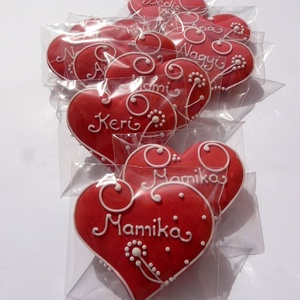 Esküvőre egyszavas ültető mézes szívek csomagban, Otthon & lakás, Dekoráció, Ünnepi dekoráció, Esküvő, Mézeskalácssütés, Tartalma: 10db kis méretű (6cm x 5,5 cm,) piros alapon fehérrel feliratozott .. (egy név,vagy egy sz..., Meska