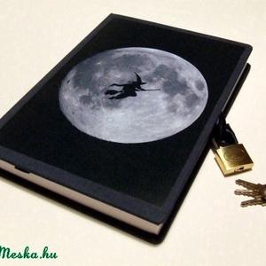 Zárható Napló, Otthon & Lakás, Jegyzetfüzet & Napló, Papír írószer, Lakattal zárható  napló!  Sötétkék vászonnal borított,  képpel díszített napló, sötétkék könyvjelzőv..., Meska