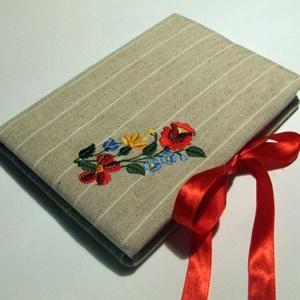 Kalocsai napló, Otthon & Lakás, Jegyzetfüzet & Napló, Papír írószer, Kalocsai hímzéssel díszített lenvászonnal borított bélelt napló, vagy könyv szatén szalag megkötővel..., Meska