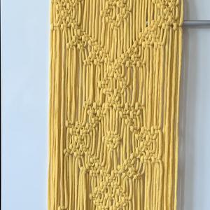 Makramé falidísz, Otthon & Lakás, Dekoráció, Falra akasztható dekor, Makramé falidísz, 28*120cm, gyönyörű geometrikus formákkal mintázott, nagy méretű, újrahasznosított ..., Meska