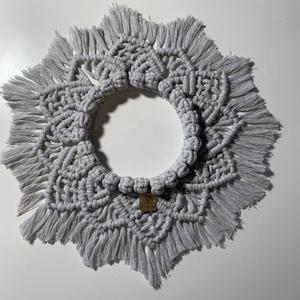Makramé falidísz mandala, Otthon & Lakás, Dekoráció, Falra akasztható dekor, Makramé falidísz, mandala  12 cm fém karikára készült,  újrahasznosított  3 mm-es fonalból igényesen..., Meska