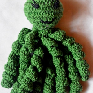 Zotya a zöld polip, Gyerek & játék, Játék, Baba játék, Játékfigura, Horgolás, Zöld színű 100%-os pamut fonalból készült Zotya a polip.A zöld szín nyugtató hatású a csápok tapintá..., Meska