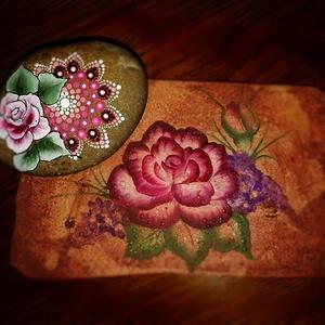 Antik kőtáblára festett rózsa, cuki kavics virággal (aPiros) - Meska.hu