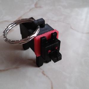 Fekete kutya kulcstartó, Egyéb, Kulcstartó, táskadísz, Táska, Divat & Szépség, Mindenmás, 3D nyomtatási technikával készült egyedi tervezésű kulcstartó dísz. A termék egy éj fekete kutyát áb..., Meska