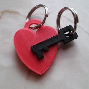 Valentin napi kulcstartó, Egyéb, Kulcstartó, táskadísz, Táska, Divat & Szépség, Szerelmeseknek, Ünnepi dekoráció, Dekoráció, Otthon & lakás, Mindenmás, 3D nyomtatási technikával készült egyedi tervezésű kulcstartó dísz. A termék egyedi kialakítása miat..., Meska