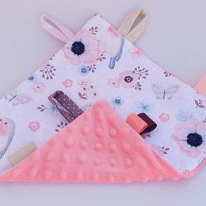 Madárka-játszókendő kisbabáknak!  , Játék & Gyerek, 3 éves kor alattiaknak, Alvóka & Rongyi, Varrás, \nMinőségi, designer pamutvászonból készített alvókendő, címkékkel. Kérheted minky dot (képen látható..., Meska
