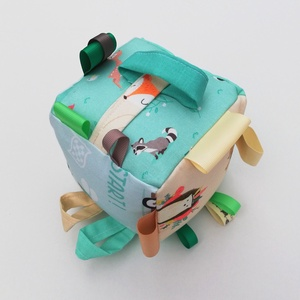 Száguldás-észségfejlesztő játékkocka kisbabáknak . :), Gyerek & játék, Gyerekszoba, Játék, Készségfejlesztő játék, Pici babák számára készült puha játékkocka, amely megannyi színnel és élménnyel várja kis tulajdonos..., Meska