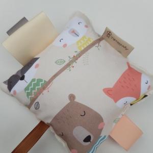 Macik-készségfejlesztő játék kisbabáknak, csörgővel . :), Játék & Gyerek, Babalátogató ajándékcsomag, Varrás, Patchwork, foltvarrás, Pici babák számára készült puha játék öko-tex szalagokkal,öko-tex bambusz frottír hátoldallal és hal..., Meska