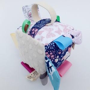 Édes álom- készségfejlesztő játékkocka kisbabáknak . :), Gyerek & játék, Gyerekszoba, Játék, Készségfejlesztő játék, Pici babák számára készült puha játékkocka, amely megannyi színnel és élménnyel várja kis tulajdonos..., Meska
