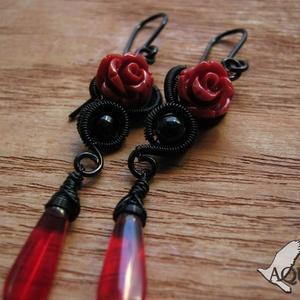 Vörös rózsa (AquilaHaza) - Meska.hu