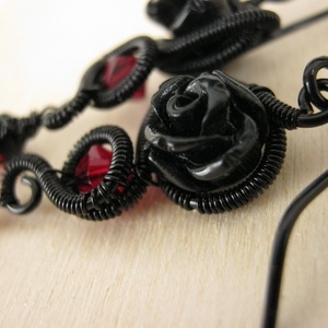 Fordított vörös rózsa (AquilaHaza) - Meska.hu