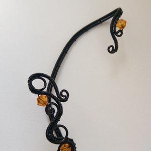 Gyertyafény, Ékszer, Fülbevaló, Mászó fülbevaló, Fekete ékszerdrótból készült fülékszer narancssárga Swarovskival.  A hosszú, egyedes rész 7,7 cm, am..., Meska