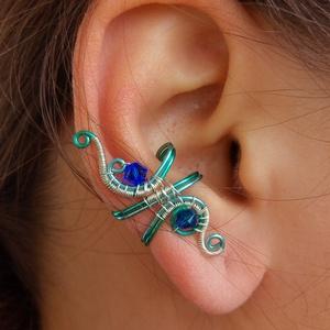 Ég és Föld között kicsi fülgyűrű, Ékszer, Fülbevaló, Fülgyűrű, Fémmegmunkálás, Ékszerkészítés, Ez a fülgyűrű kék, türkiz bevonatos és ezüstözött rézdrótból készült. Hozzáillő kék Swarovski gyöngy..., Meska