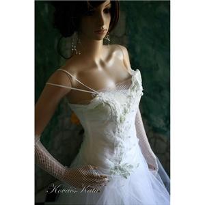 ANNIE  - menyasszonyi ruha  (Aranybrokat) - Meska.hu