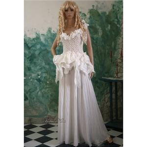 SWAN - bohém menyasszonyi ruha  (Aranybrokat) - Meska.hu
