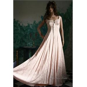 ÁRNIKA - gótikus menyasszony-ruha, Esküvő, Ruha, Menyasszonyi ruha, Ezt a gyönyörű vonalvezetésű, gótikusan elegáns, romantikus ruhát szép esésű anyagokból tudom méretr..., Meska