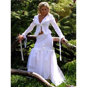 FANNI - esküvői vászon-kosztüm, Esküvő, Menyasszonyi ruha, Táska, Divat & Szépség, Esküvői ruha, Ruha, divat, Női ruha, Kosztüm, Patchwork, foltvarrás, Varrás, Alternatív menyasszonyi kosztüm fehér pamutvászonból, gazdagon díszítve.\n\nElöl-hátul karcsúsító piék..., Meska