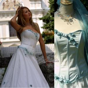 OLGA - artsy menyasszonyi ruha, Esküvő, Menyasszonyi ruha, Ruha, A bohém, mégis hagyományos formák kedvelőinek készült alternatív, tündéres menyasszonyi öltözet:  Fi..., Meska