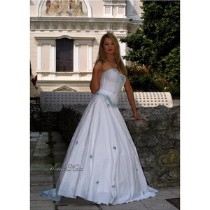 OLGA - artsy menyasszonyi ruha (Aranybrokat) - Meska.hu