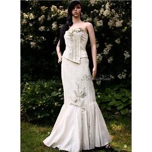 LÉDA-RUSTIC - artsy design vászonruha, Esküvő, Menyasszonyi ruha, Táska, Divat & Szépség, Női ruha, Ruha, divat, Estélyi ruha, Festett tárgyak, Varrás, Kétrészes nyersvászon ruha homokszínűre festve.\nA sellő fazonú szoknyát gazdagon piéztem, elejére vi..., Meska