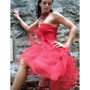 PIRI - menyecske ruha, Esküvő, Ruha, Menyecske ruha, Varrás, Ha valami egészen egyedire vágysz:\n \nSzexi tűzpiros kétrészes design-ruha  sok-sok tüllel bodorítva...., Meska