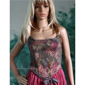 GOBELIN-RÓZSÁS míder, Táska, Divat & Szépség, Női ruha, Ruha, divat, Estélyi ruha, Póló, felsőrész, Varrás, Csodásan-szép gobelin-rózsás elasztikus jacquard kelméből készítettem ezt a romantikus darabom.\n\nA X..., Meska