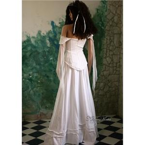 TEREZIA - menyasszonyi ruha (Aranybrokat) - Meska.hu